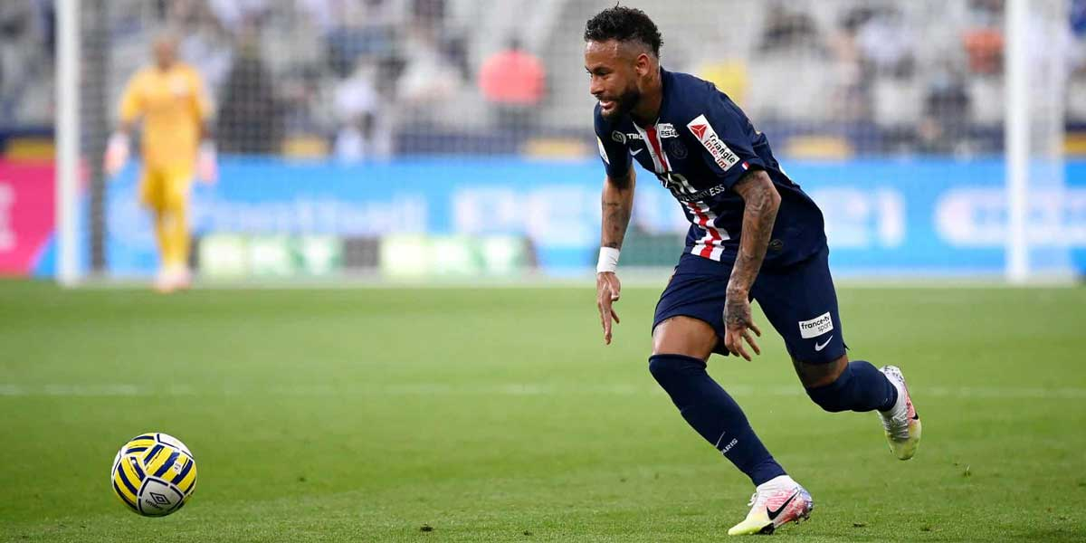Paris Saint-Germain's Brazilian forward Neymar